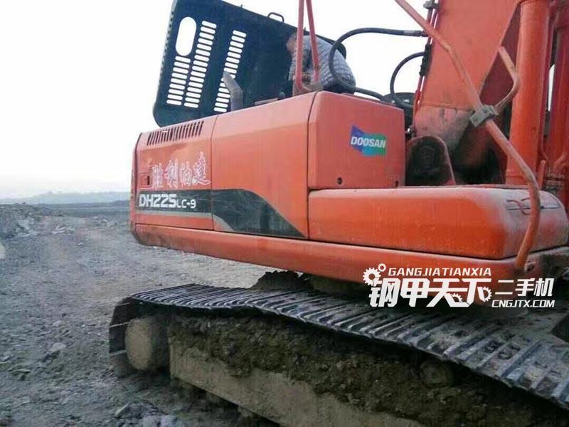 斗山dh225lc-9挖掘机(此设备编号:2093)10-18更新