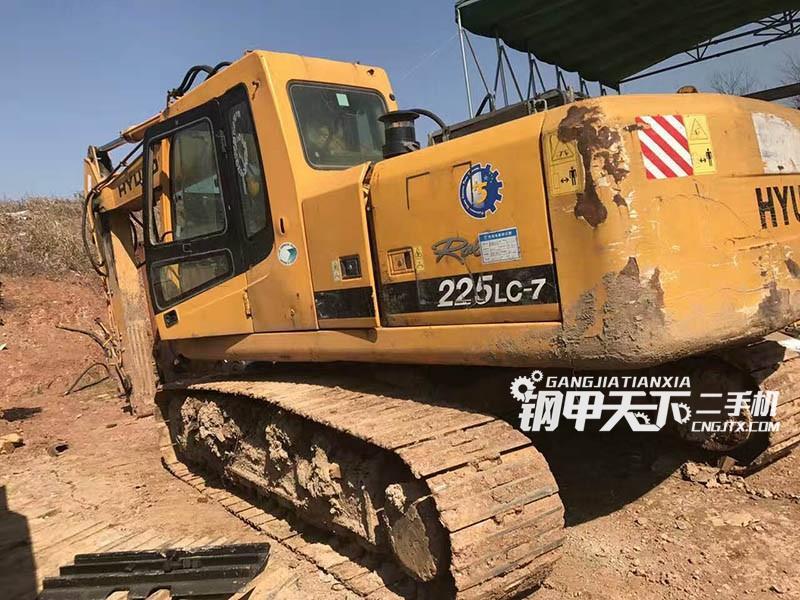 现代225-7挖掘机(此设备编号:13317)03-24更新