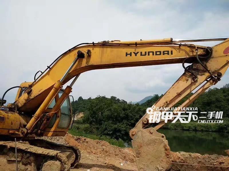 现代225挖掘机(此设备编号:35562)09-27更新