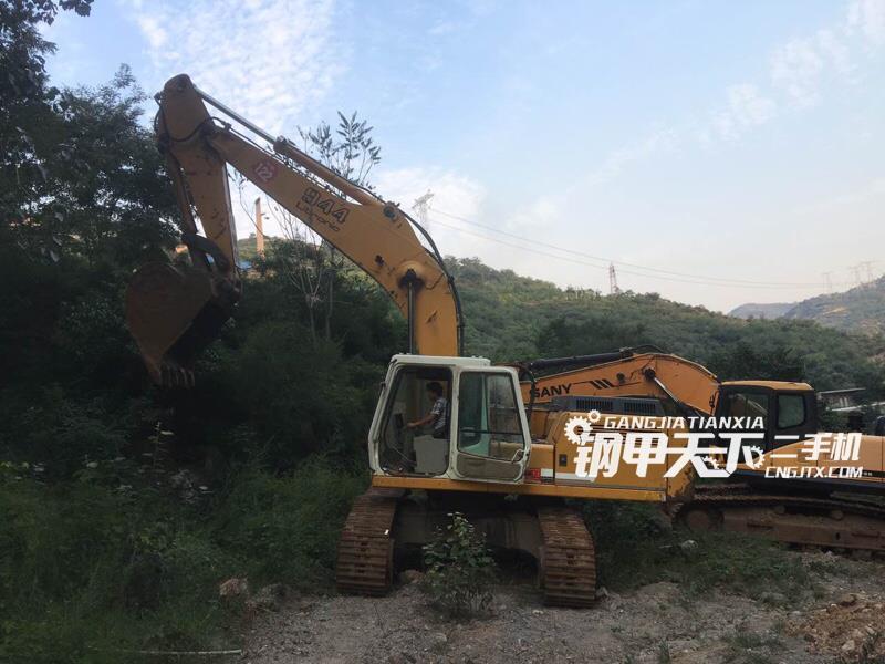 利勃海尔952挖掘机(此设备编号:37016)10-06更新
