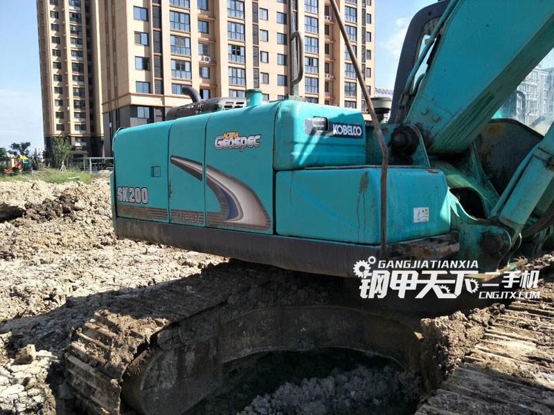 神钢200超8挖掘机(此设备编号:54843)12-18更新