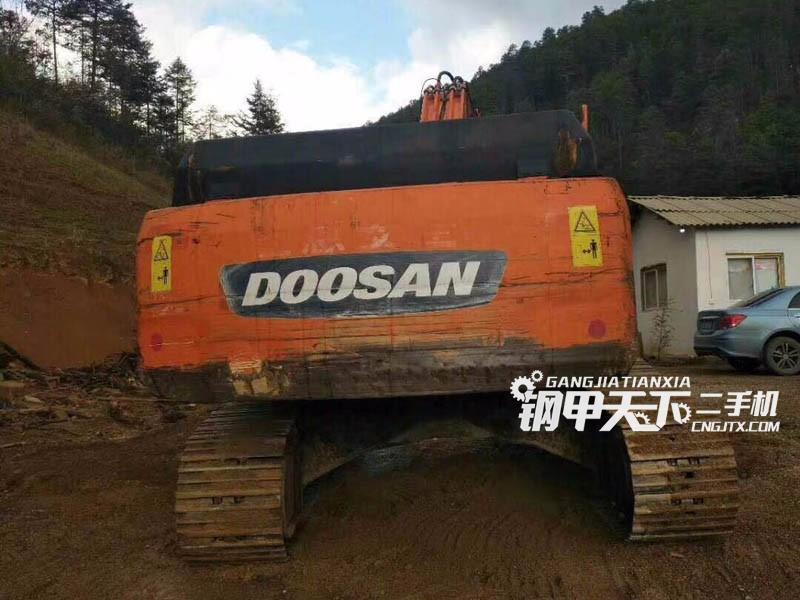 斗山225-9挖掘机
