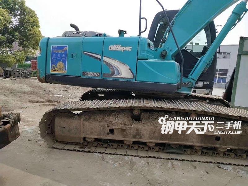 神钢SK210超8挖掘机