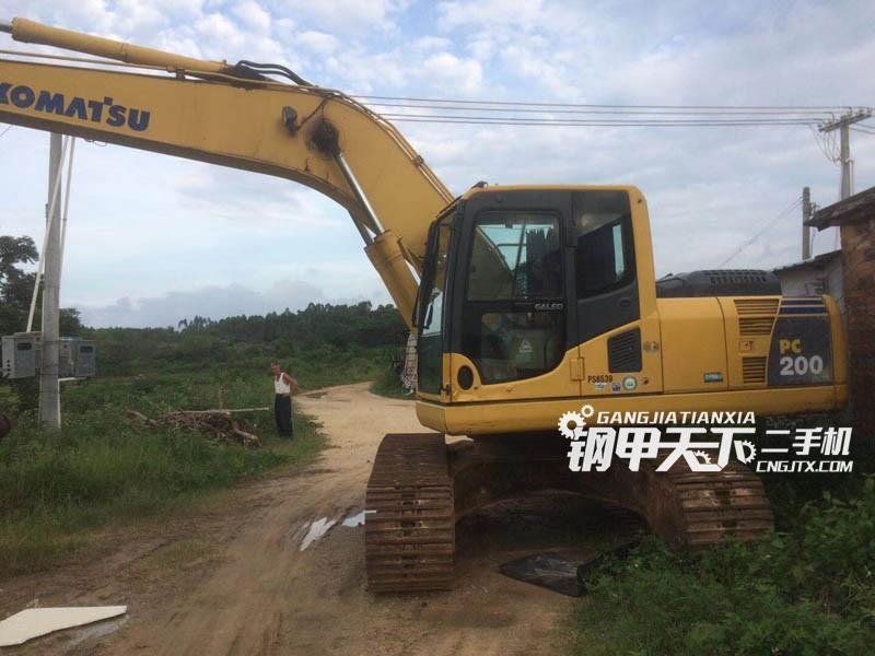 小松PC200-8 挖掘机