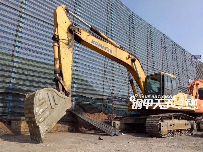 小松PC270挖掘机