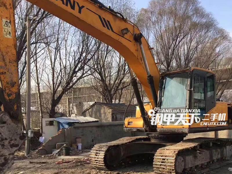 三一重工215-8挖掘机