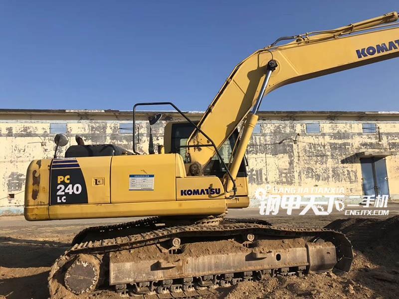 小松PC240-8 挖掘机