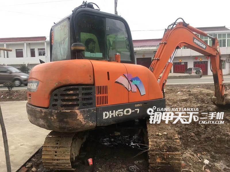 斗山60挖掘机