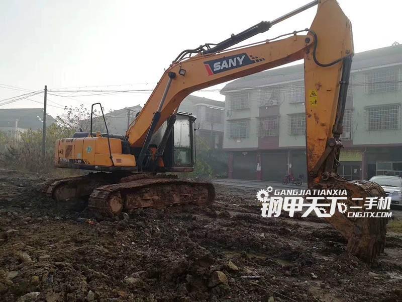 三一重工215-9挖掘机