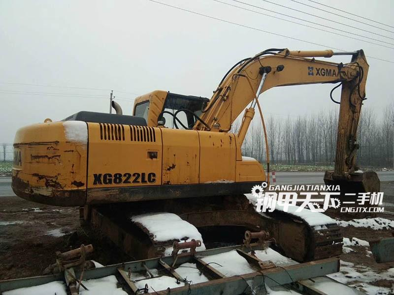 厦工822挖掘机