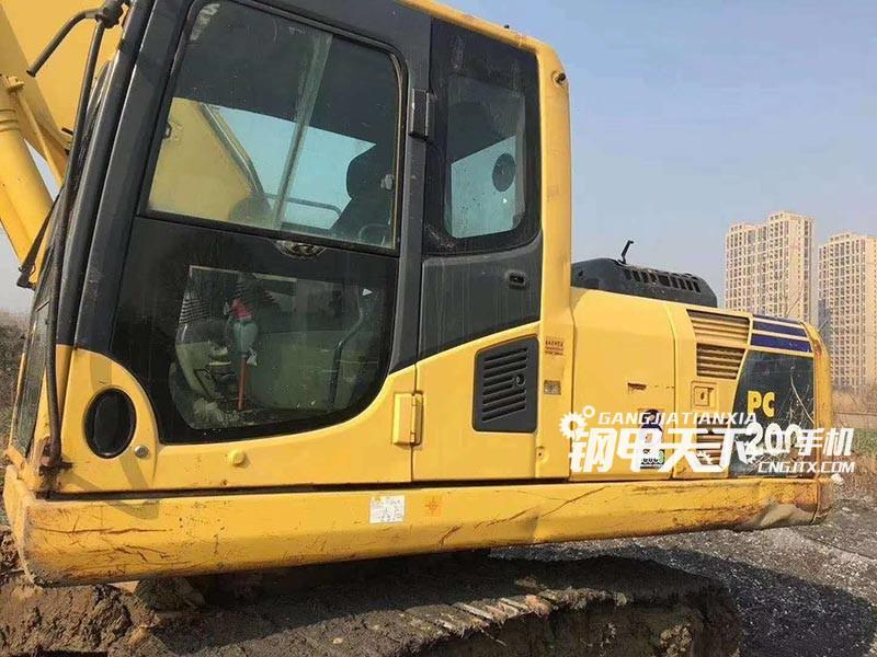 小松200-8挖掘机