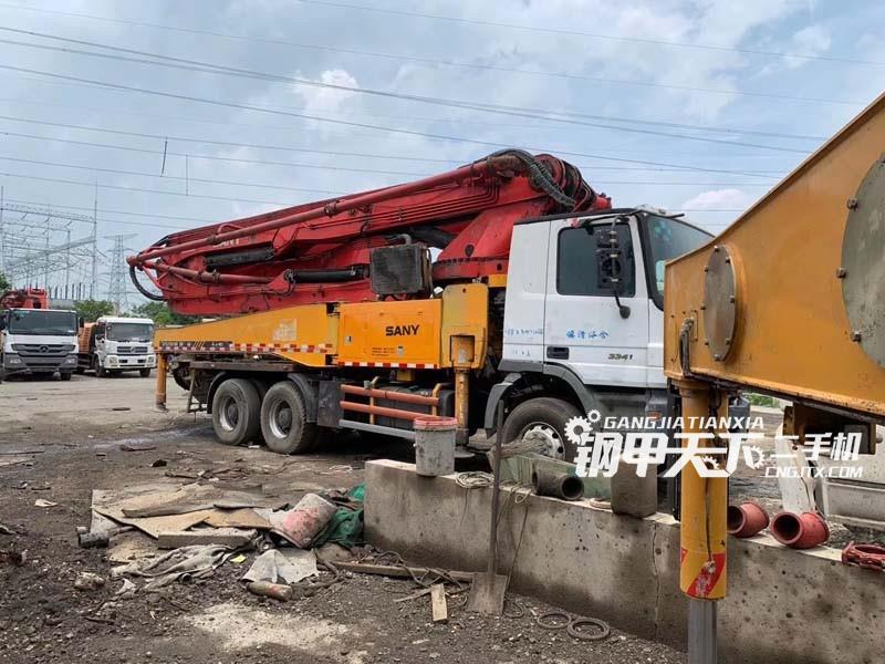 三一重工46米泵车