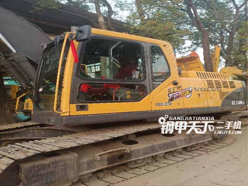沃尔沃  210D  挖掘机