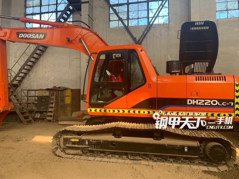 斗山  220-7  挖掘机