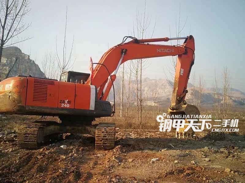 日立240-3挖掘机
