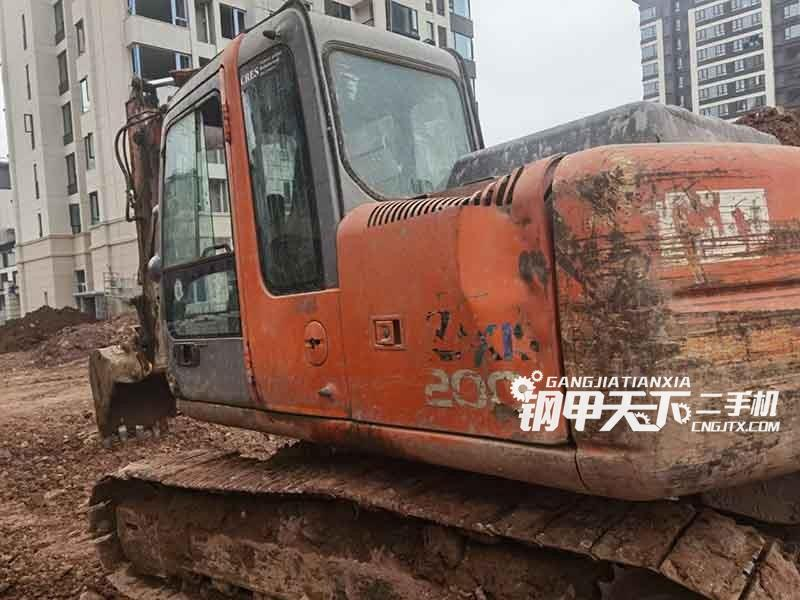 日立  120  挖掘机