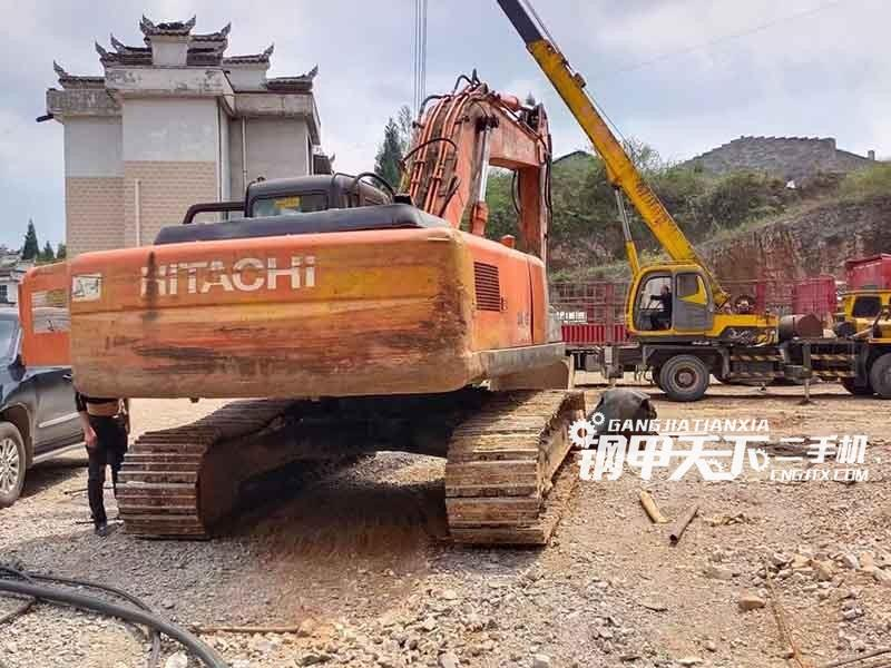 日立240-3G挖掘机