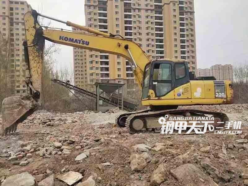 小松  220-7  挖掘机