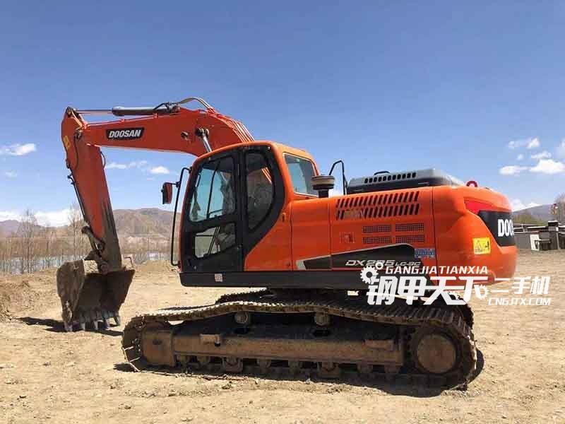 斗山  220-9C  挖掘机