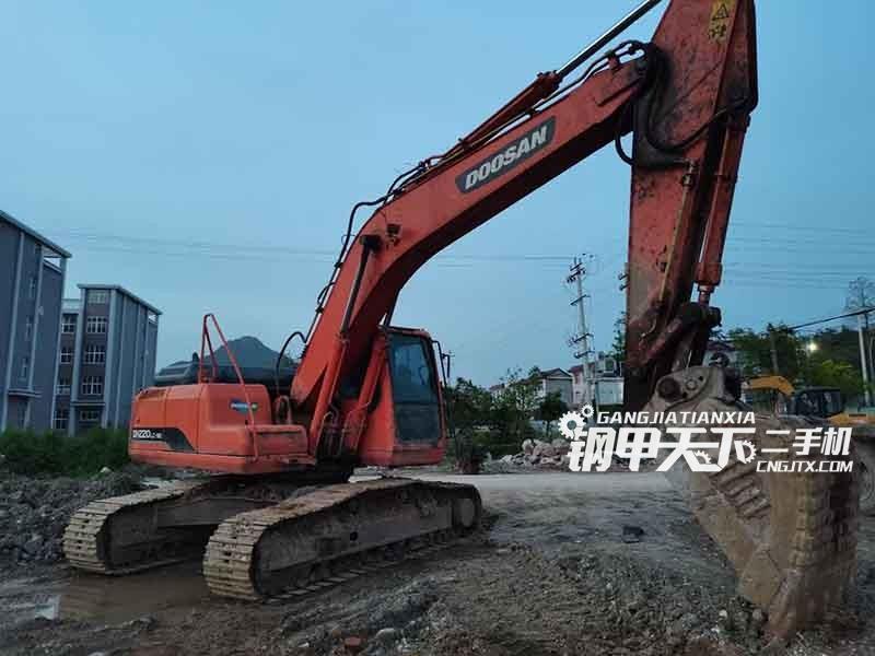 斗山  220-9E  挖掘机