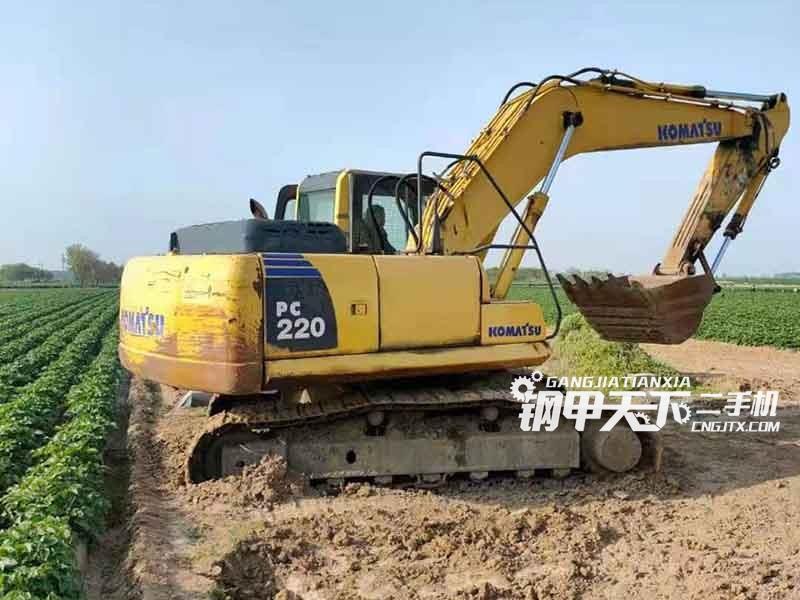 小松  200-8  挖掘机