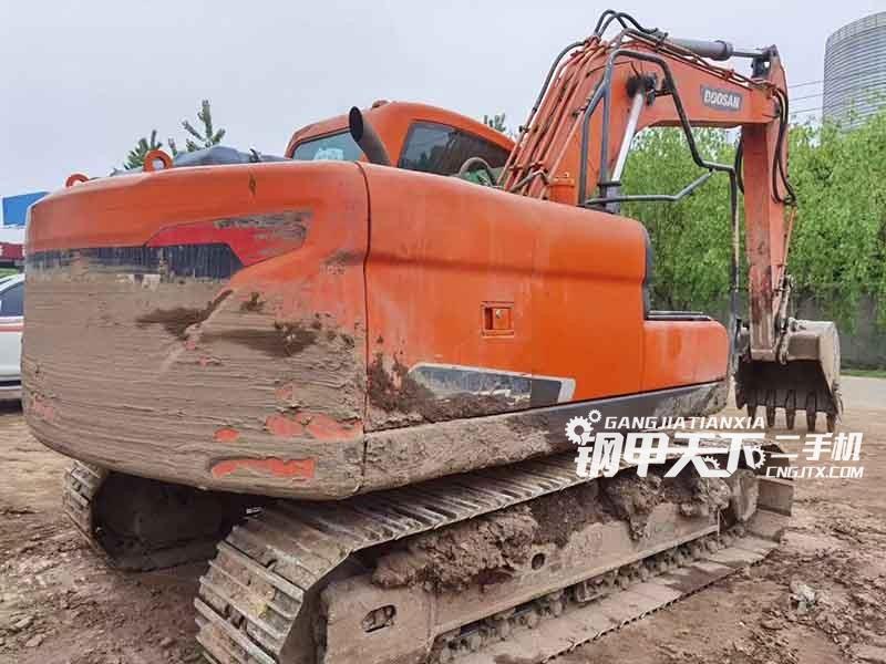 斗山  DX150  挖掘机
