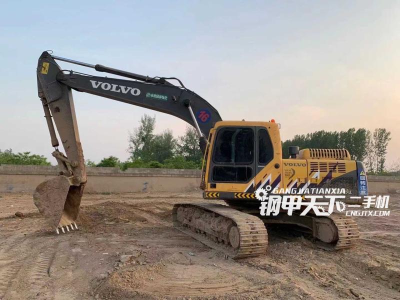 沃尔沃  210BLC  挖掘机
