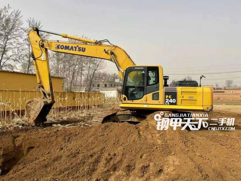 小松  240-8mo  挖掘机