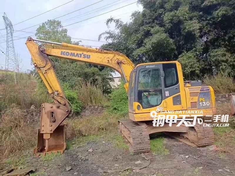 小松  130  挖掘机