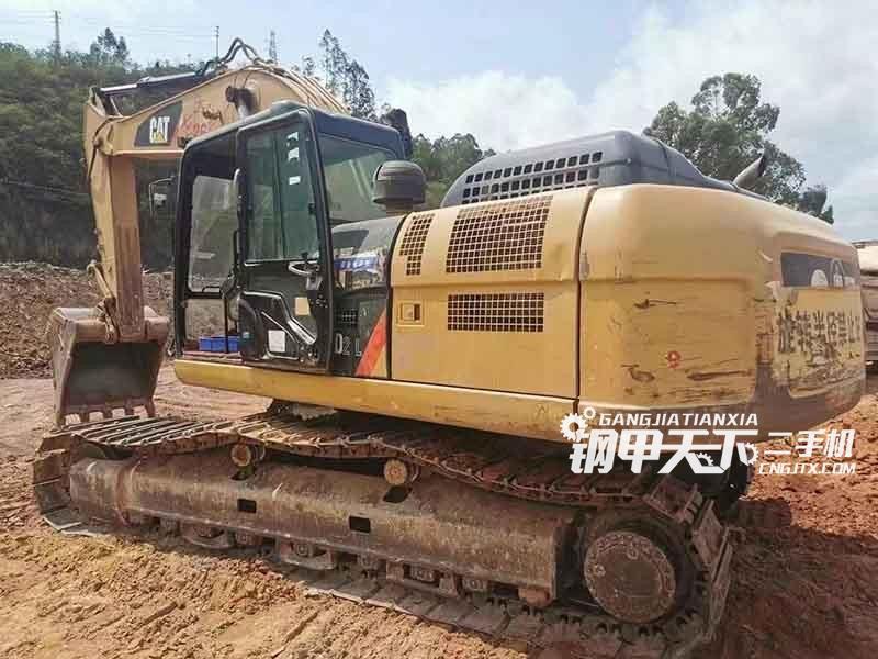 卡特彼勒  320D2   挖掘机
