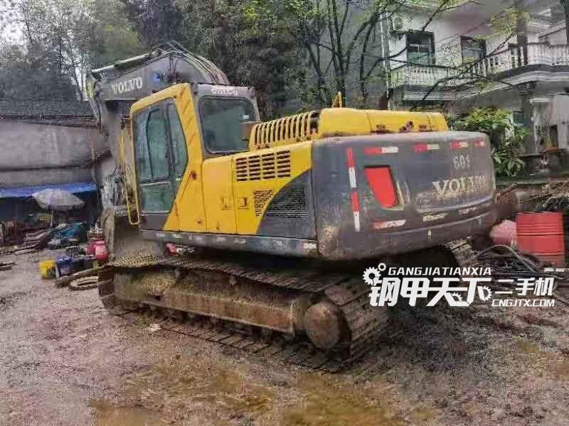 沃尔沃  120  挖掘机