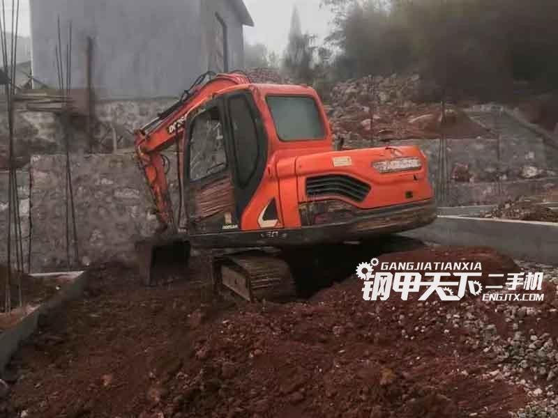 斗山  75  挖掘机