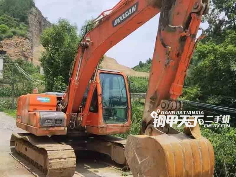 斗山  150  挖掘机