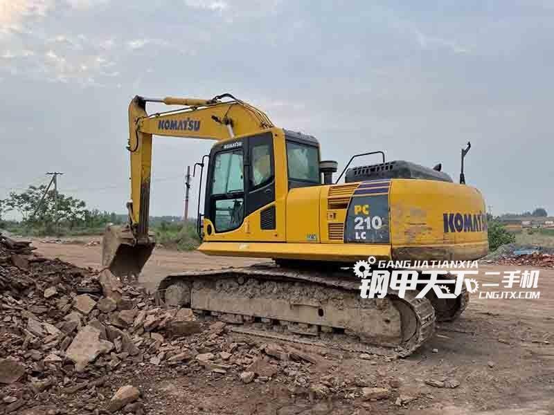 小松  210LC-8MO  挖掘机