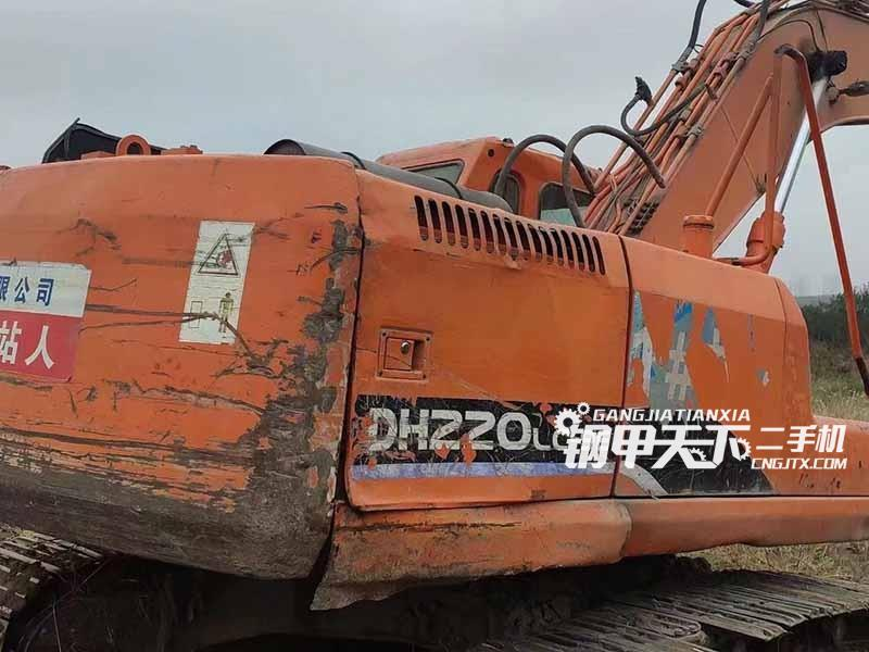 斗山  220-9  挖掘机